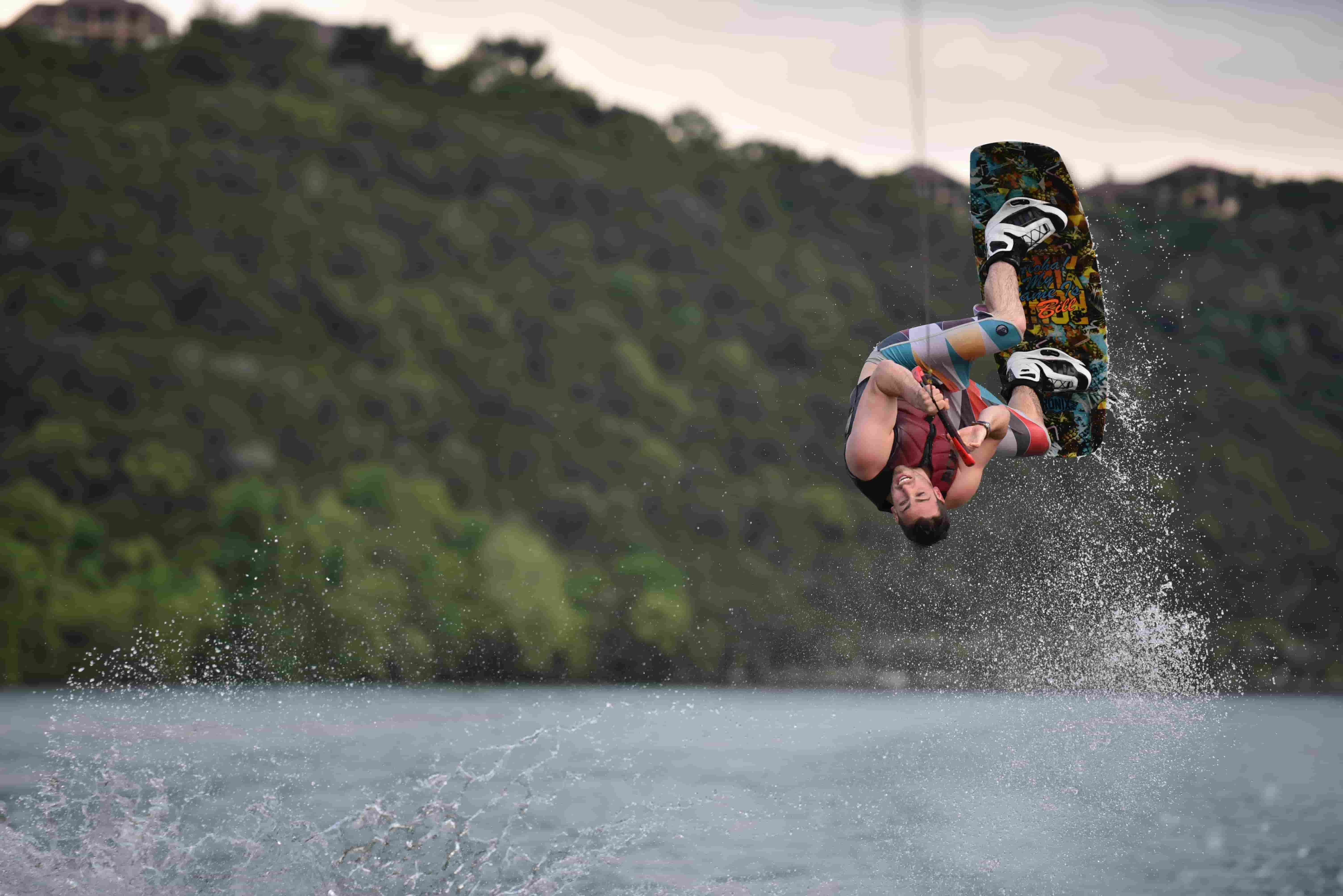 lizenzfreies Bild eines Surfers